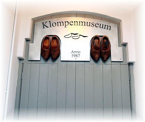Heropening klompenmuseum
