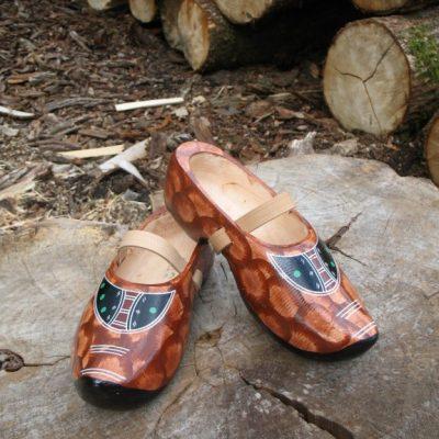Wooden clogs (shoe sizes 36-50)